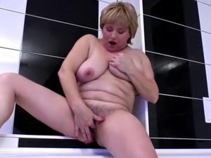Amateur mother with saggy tits and hungry cunt
