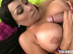 sexy deworth big tits