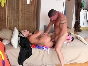 Katy Rose seduces a fortunate fellow with her amazing curves