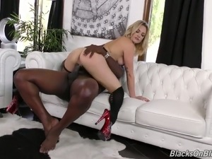 Sultry and fine blonde bimbo got her mouth stuffed with black meat
