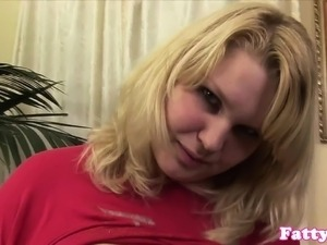 Bigtitted super chub toying before sex