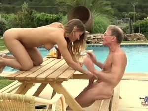 Tighty Body Young Girl Fucked Grandpa and Sucked Dick