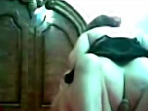 Horny man licks his Arab girlfriend's pussy before she rides his s