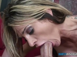 Babe rides for mouth jizz