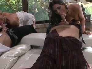 Sex-hungry bitch Hunter Leone gets double penetrated in steamy group sex orgy