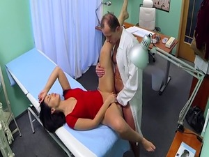 Pussylicked euro nurse dickriding doctor