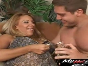Hot Vivian enjoys being a part of a great bisexual threesome