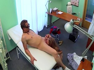 Amateur patient cocksucking her doctor