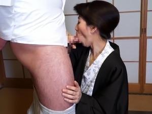 After a business lunch a horny Asian secretary fucks her boss