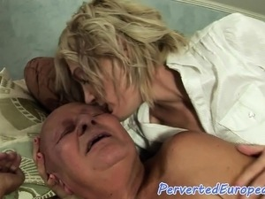 Eurobabe pissing on old man after fucking him