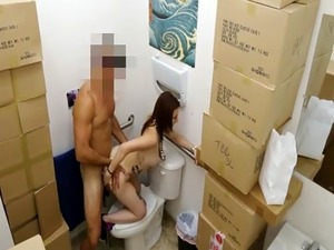 Tattooed babe nailed by pawn dude in pawnshops toilet