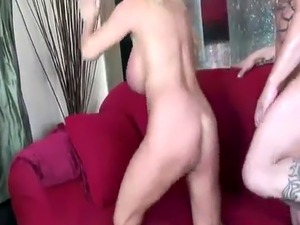 Busty housewife Harmony Bliss gets her mature twat fucked