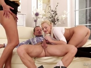 Couple has a cute blonde in their living room for a threesome