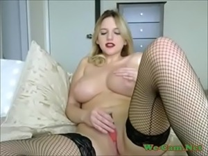 Blonde masturbate tight sweetpussy in cams