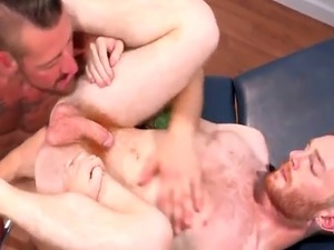 Horny patient gets assfucked by his DILF doctor
