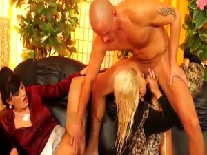 Piss fetish glamour babes in trio cocksucking