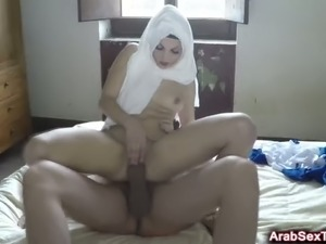 Horny arab slut gets her pussy drilled by huge dick