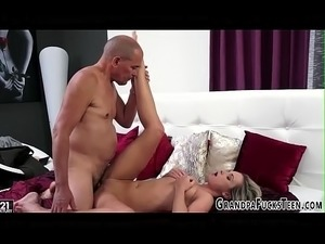 Teen gets a warm mouthful
