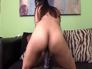 Arab couple honey moon xxx Mia Khalifa Tries A Big Black Dick