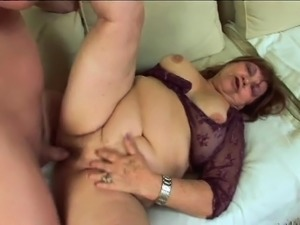 Chubby mature woman Dominika gets her aching slit fingered and fucked