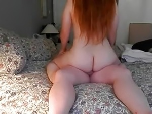 Chubby amateur couple fucks on bed in homemade porn