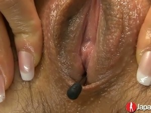 Too lazy Japanese hoe Ryo Kaede gets her hairy cunt teased a bit