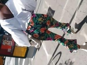 Skinny Sex Black Lady Big Booty With Gap.mp4