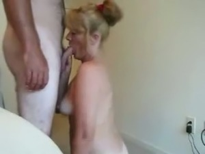 Mature blonde whore with appetizing tits sucking big dick deepthroat