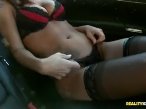 Fantastic looking Whitney Westgate turns boring evening into good fuck