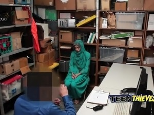 Arab thief talked into blowing dick