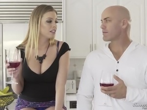 Displeased blonde MILF Britney Amber cheats on her hubby with strong stud