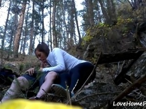 Horny amateur girlfriend getting fucked in the woods.