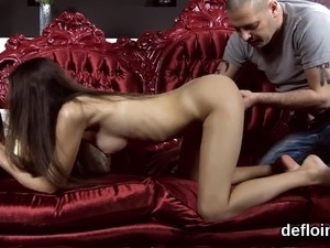 Pretty girl stretches tight cunt and gets deflorated58EJn