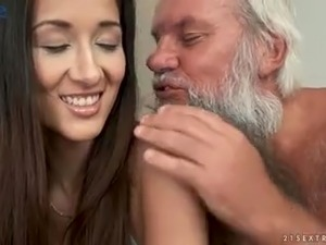 Darcia Lee gets properly used by bearded grey haired old man