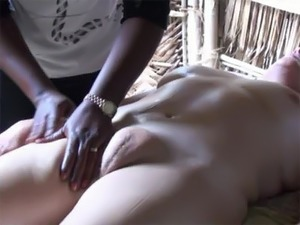 Voyeur Blonde Mature With a Swollen Pussy Gets a Sexy Massage