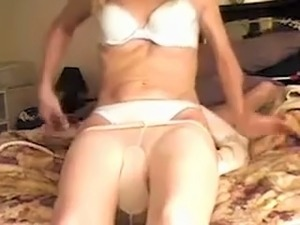 Facesitting workout with dirty-minded brunette lady of my buddy