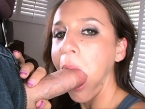 Sexy Milf Gives Great Pov Blowjob