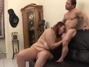 Mini man meets tall bbw and fucks her hard
