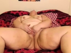 Solo amateur BBW plays with her pussy
