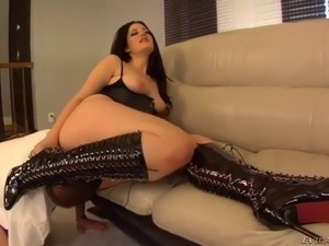 fabulous kimberly kane sits on guy's face getting her butt hole licked