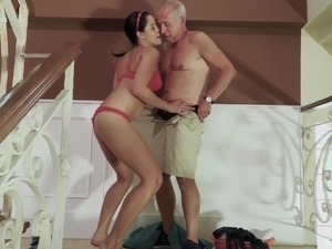 Dick craving chick wants to be fucked by a lucky grandpa