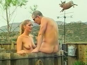 Hardcore scenes outdoor in vintage porn