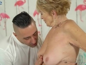All wrinkled oldie Malya is actually still good at riding strong cock