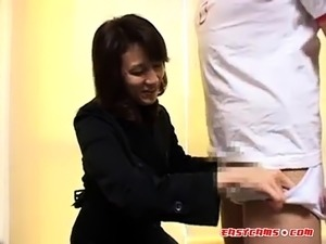 Japanese amateur likes to watch
