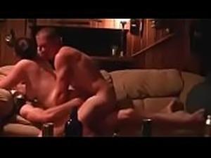 Amateur   swallows the cum