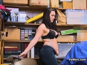 Curvy raven haired pilfer fucked by guard