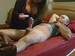Fat blonde mom handjob