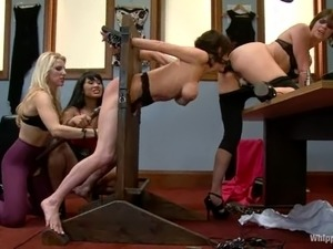 Group BDSM lesbian with four juicy and luscious chicks