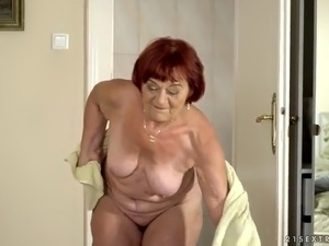 Mature nympho Marsha seems really into sucking delicious cock
