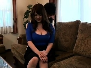 Stacked Japanese cutie satisfies her desire for hardcore sex